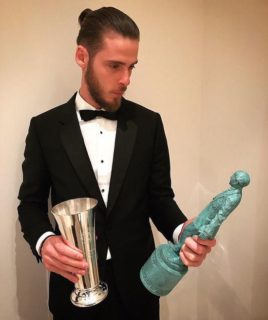 曼联神鸭5年4夺年度MVP 但穆帅心中最佳竟是别人