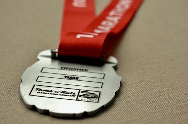 高颜值成都摇滚马拉松奖牌曝光 报名近期截止