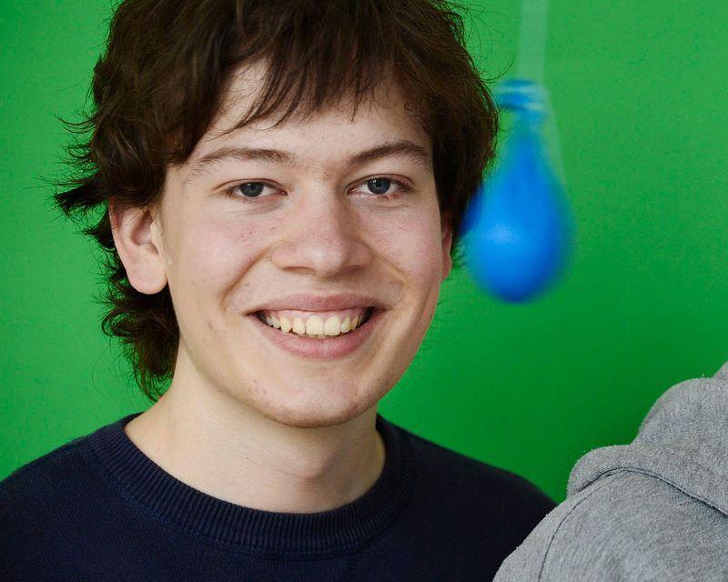 这位22岁的谷歌天才,发现了英特尔芯片的惊天漏洞