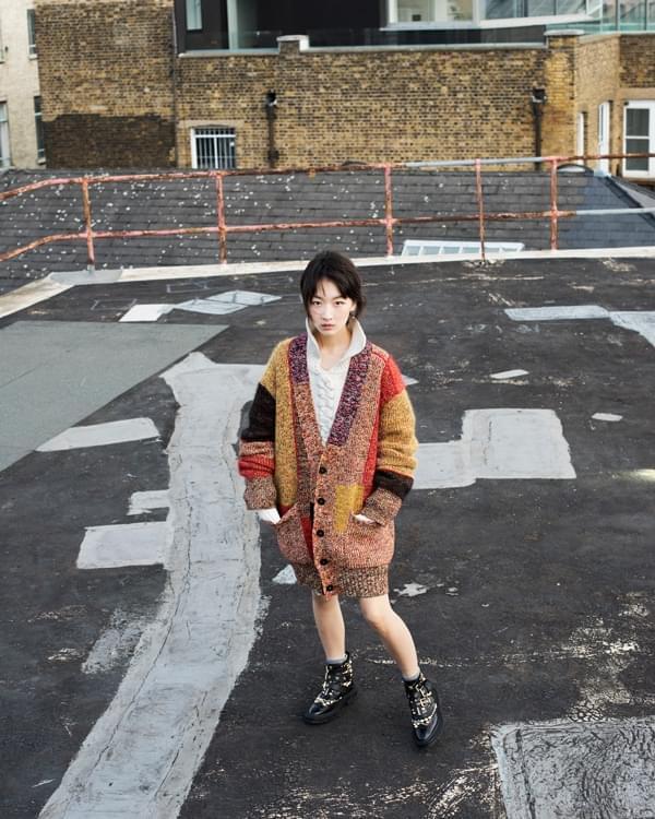 亚洲首位女艺人! 周冬雨携手高奢成品牌大使