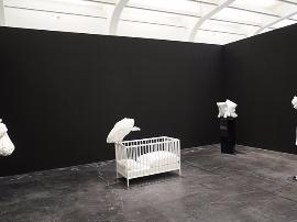 有意味的空间解构——艾默格林与德拉塞特的装置艺术