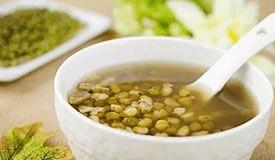 绿豆汤送药是否可行? 专家:要分清身体状况