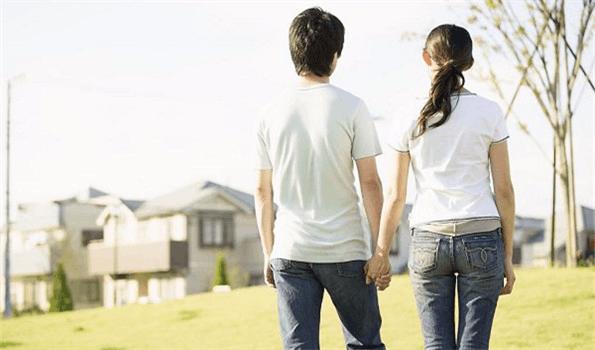 60.8%受访青年认为大学是开始恋爱的最佳时期