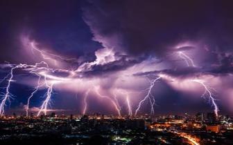 福州发布雷电橙色预警信号 25日最高温创新高