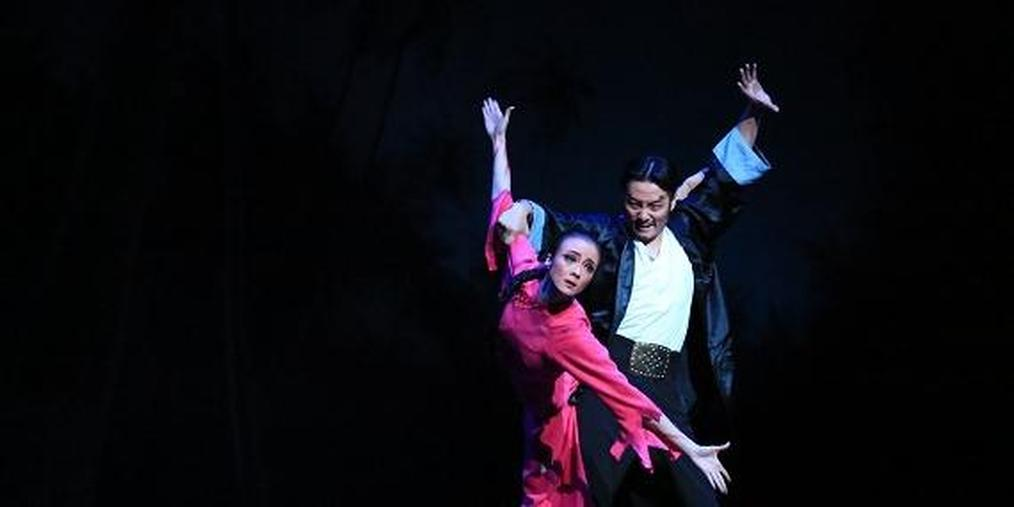 芭蕾舞剧《红色娘子军》上演 演绎红色经典