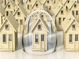 房价与债务 挤掉哪个风险会更大