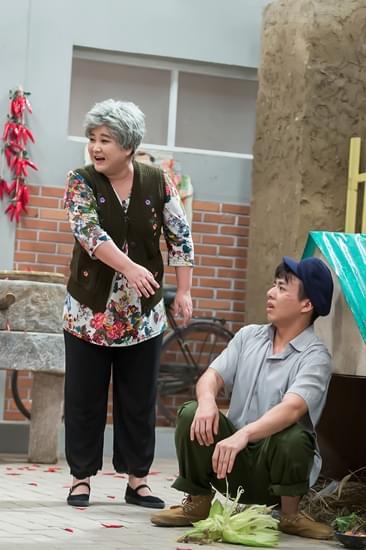 贾玲选择性失聪套路李乃文 做客饭局放送小剧场