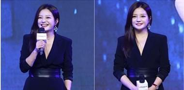 43岁赵薇着OL黑裙化身女总裁