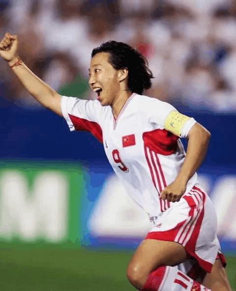 她曾夺世界杯MVP+金靴 18岁进国家队152场斩106球