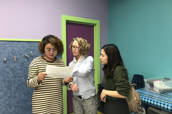 悦宝园(中国)HR总监Ashely、资深教学培训师Patricia与美国教研部总监探讨教学方式