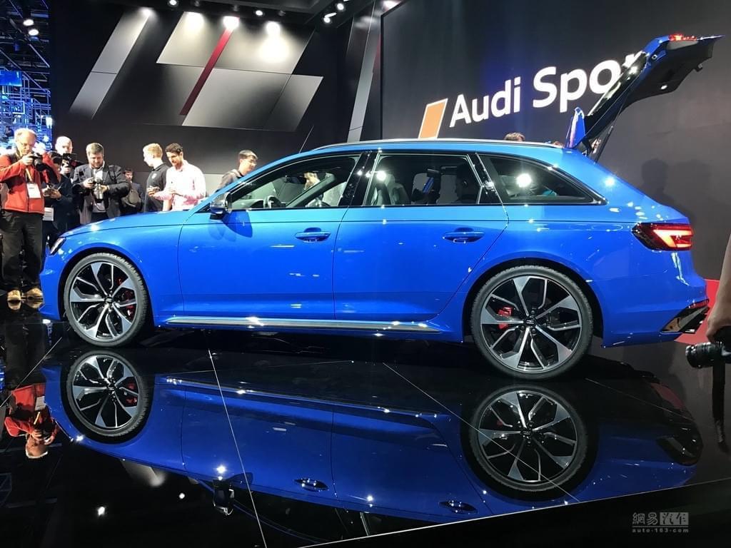 4秒破百的旅行车 奥迪RS4 Avant首发亮相