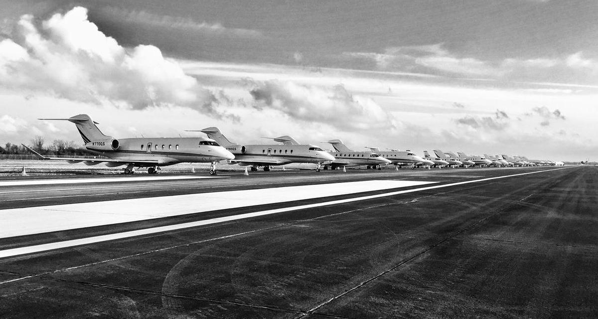 超过100架飞机降临奥马哈