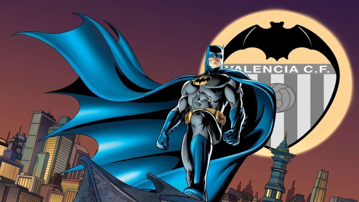 蝙蝠侠VS西超!神奇教头打造无敌氪石 战衣一键升级