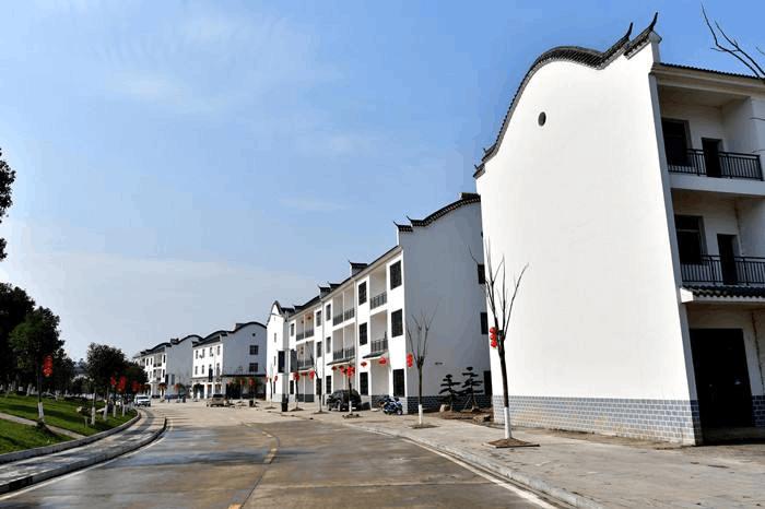 荆州市提出美丽乡村建设考核七要点:洁绿亮美齐畅特