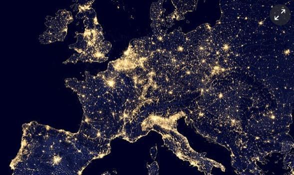 双语阅读:地球的夜晚太亮 这其实很危险