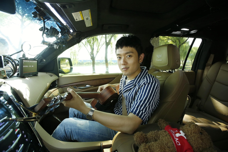 """《卡拉偶客》秦昊曝与李宇春搓""""四川麻将"""""""