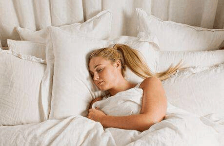 小心越睡越丑 你这样睡美容觉等于白费