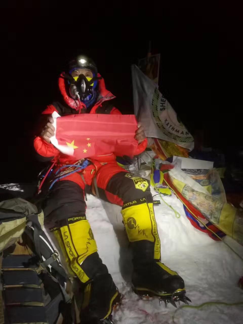 聊聊登顶珠峰的51天 以及被救回一条命的夏尔巴