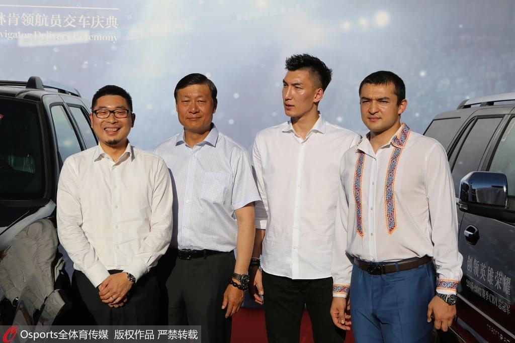 李秋平:新疆队员已建立默契 下赛季不会换外援