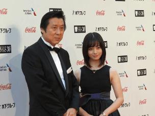 第30届东京国际电影节开幕 中国电影人亮相红毯