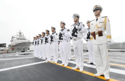68年,中国海军劈波斩浪挺进深蓝