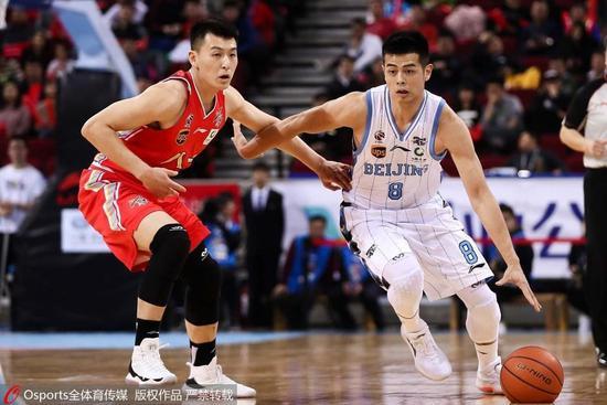汉密尔顿37+14北京3分险胜八一 刘晓宇首秀0分