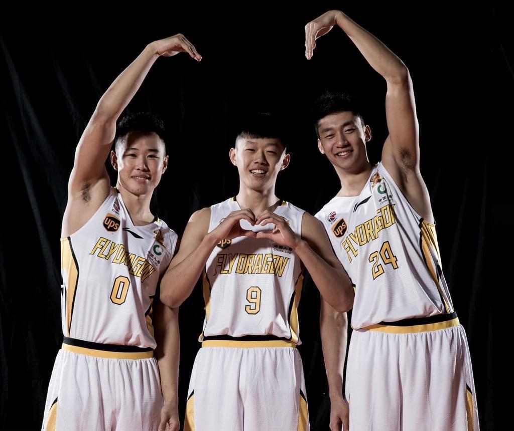 2017-18赛季是许梦君(中)生涯的第一个赛季