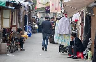 上海董家渡:陈旧与绚丽共存