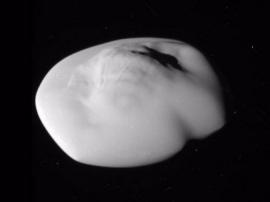 NASA发布土卫十五Atlas特写照:形似UFO