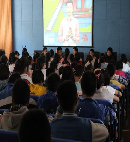 高年级学生参加河北电台汉字听写初赛