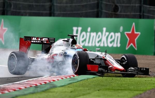 F1日本站练习赛梅奔继续狂飙