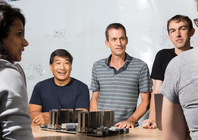 Facebook谷歌AI研究者为什么就在CEO旁边工作?