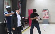 泰州警方举行银行反抢实战演练