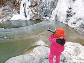 垣曲县望仙风景区:三潭冰挂美景引人来