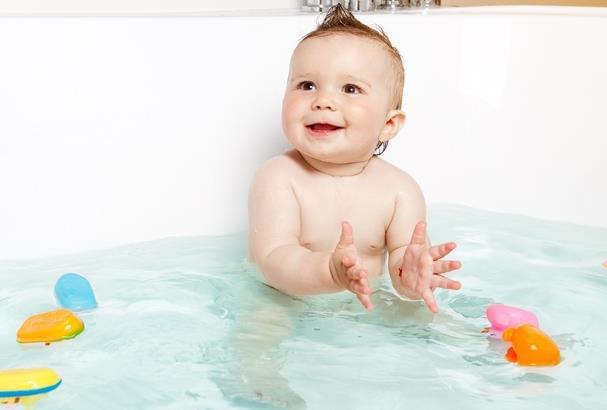 3岁女孩泡澡时溺水 这些退烧误区莫踏入