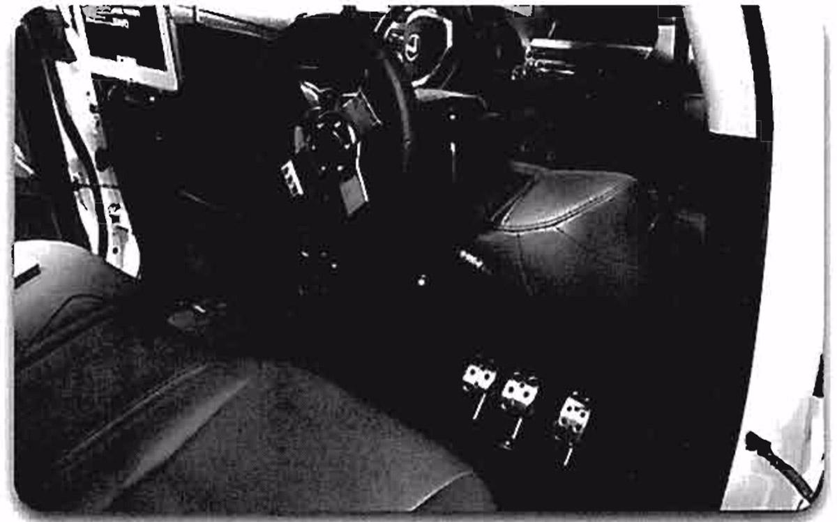 苹果无人驾驶开发平台:游戏装置改造司机需特训