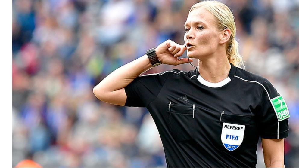 欧冠赛场有望出现女主裁 德国名哨或成历史第一人