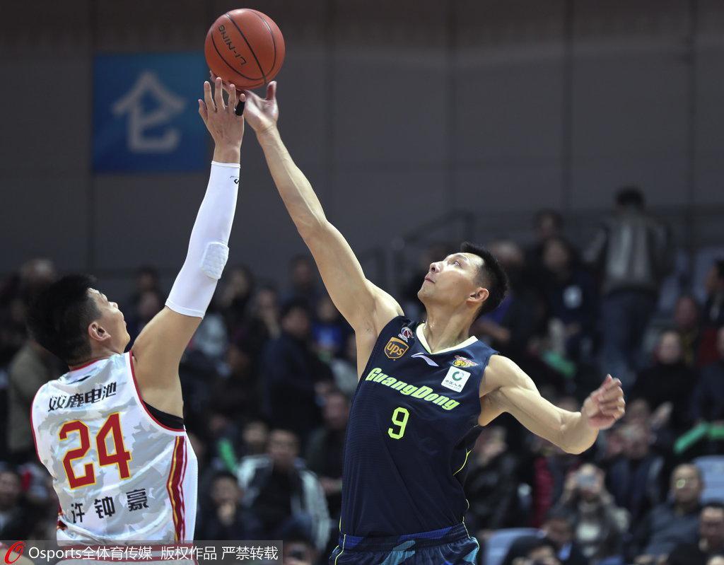 广东19分大胜灭八一 易建联21+21尼克尔森22分