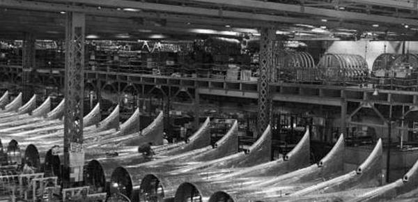月产300架轰炸机!美国曝光二战最大秘密工厂
