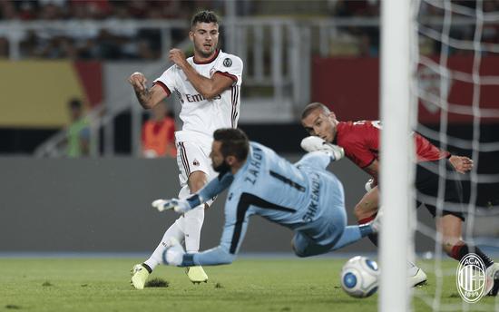 附加赛-库特罗内建功 米兰总分7-0晋级欧联正赛
