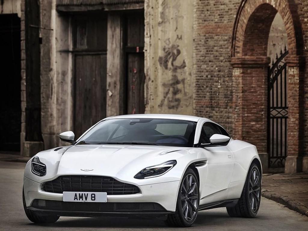 比V12车型便宜100万 DB11 V8仅售236.8万