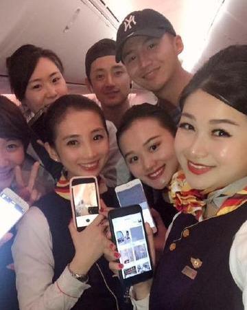 民航昨晚抢先解禁手机 需打开飞行模式