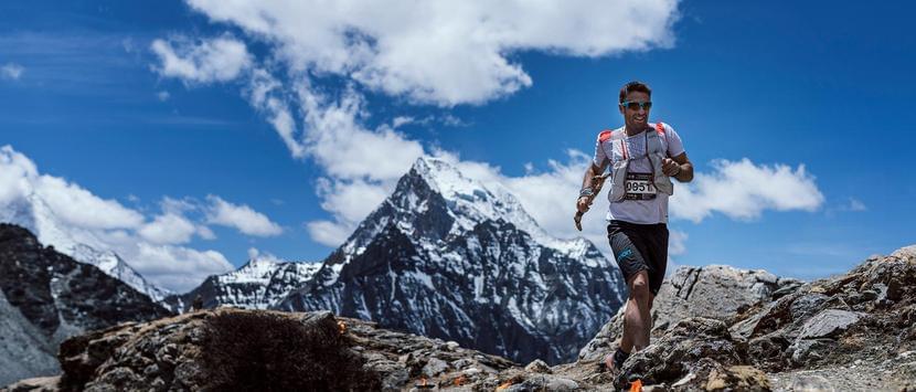 龙腾亚丁越野嘉年华 选手纵横天地遍览群山