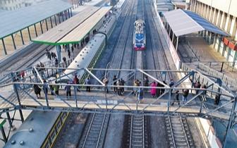铁路唐山南站重启客运 市内7条公交线路直达