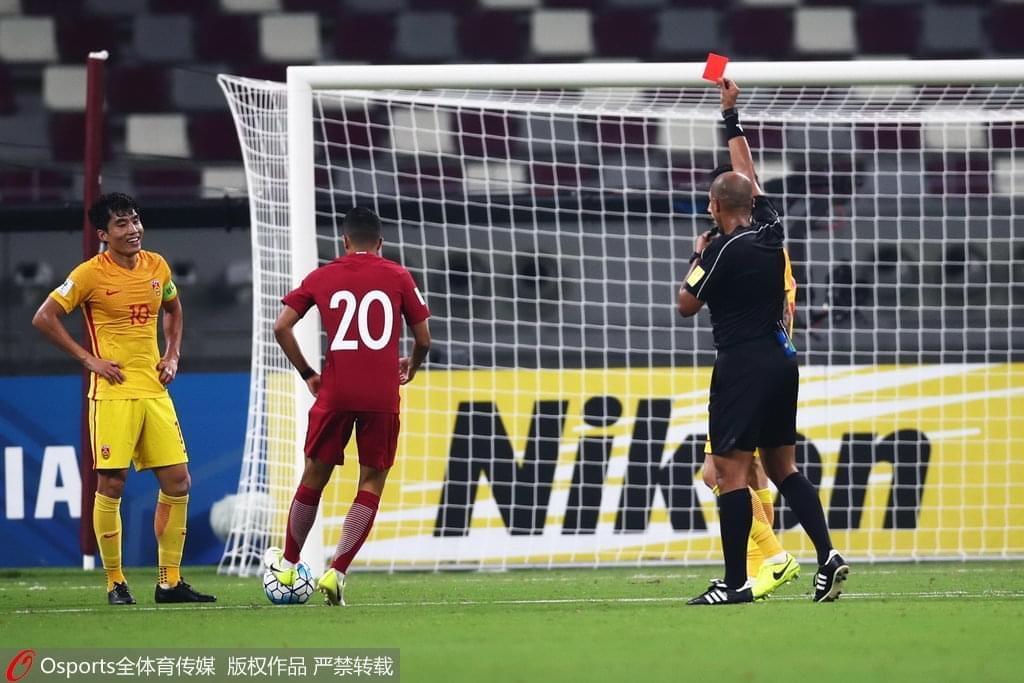 悲情!郑智战术犯规直接染红 用红牌告别世界杯