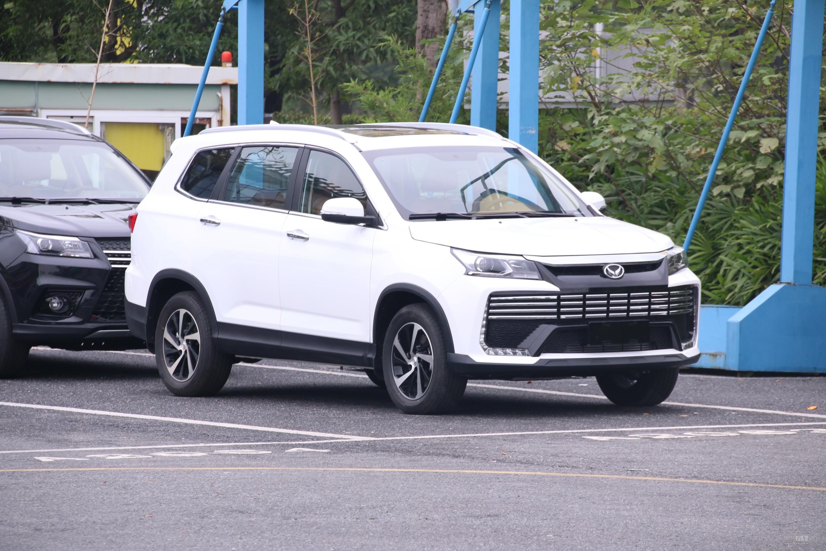7座SUV/即将上市 北汽幻速S7实车亮相
