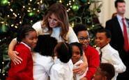 梅拉尼娅邀请小学生迎圣诞