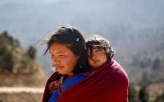 舞厅、赌博与暴力游戏:不丹也会迈向嘈杂的现代生活