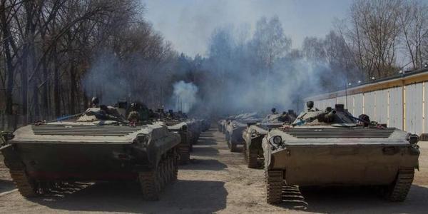 波兰坦克运输由特种部队守护