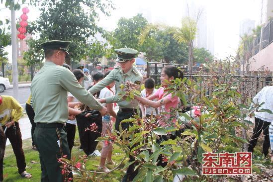 """漳州边检站开展""""世界地球日""""主题宣传活动"""